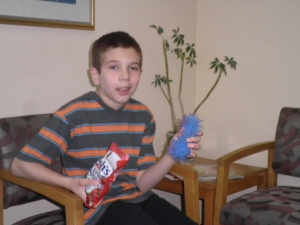 fruit snacks + blue octopus = happy jonah